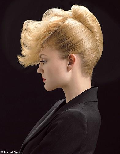 Coiffure Chignon Banane Femme Cheveux Mi Longs Sur Coupe2cheveux Com