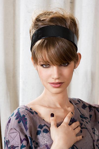 Préférence Coiffure avec serre tete - Femme cheveux mi-longs sur  WH45