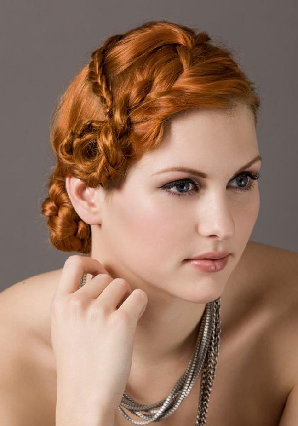 Bien connu Coiffure avec tresse mariage - Femme cheveux mi-longs sur  ZZ42