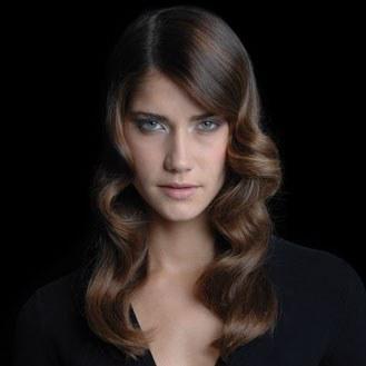 Coiffure retro femme cheveux long