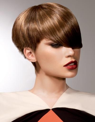 Coiffure courte avec m che sur le cot femme cheveux - Comment couper une meche sur le cote ...