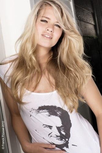 coiffure femme cheveux longs ondulés