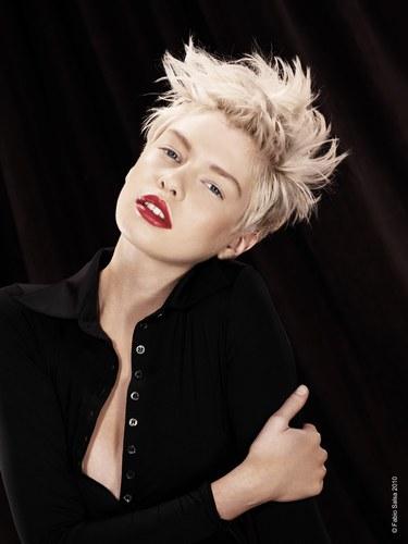 Populaire Coiffure femme rock - Femme cheveux courts sur Coupe2cheveux.com QA79