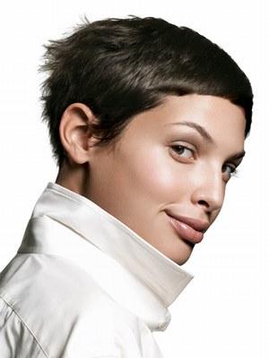 coiffure frange très courte