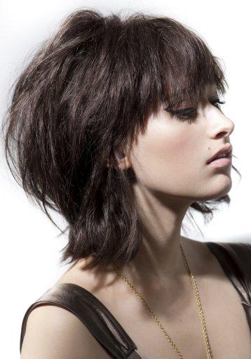 Coiffure mi long destructuré - Femme cheveux mi-longs sur Coupe2cheveux.com