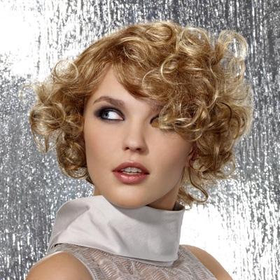 Coiffure retro boucle femme cheveux courts sur - Coiffure femme boucle ...