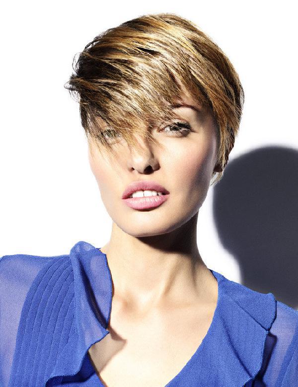Coiffure coupe courte d grad e pour femme femme cheveux courts sur - Coupe courte femme degradee ...