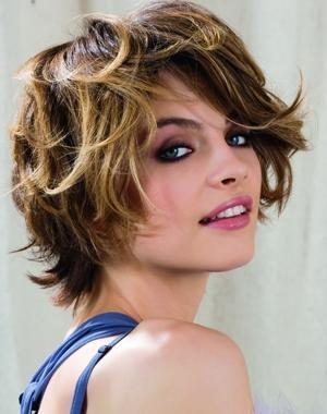 Coiffure coupe courte effet d coiff femme cheveux courts sur - Coupe courte avec meches ...