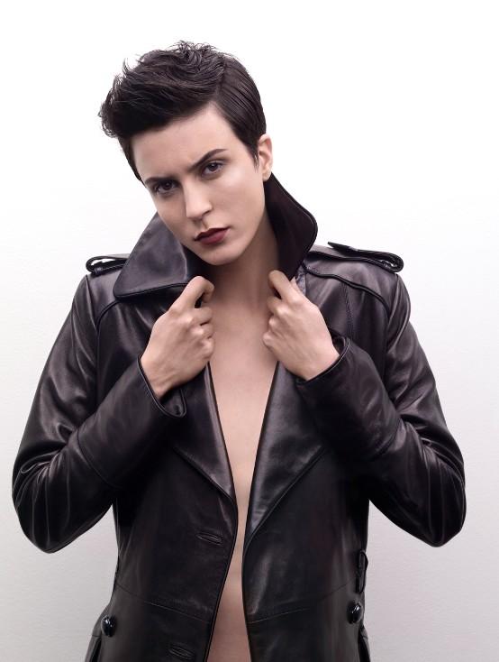 Extrêmement Coiffure coupe rock femme courte - Femme cheveux courts sur  NJ19